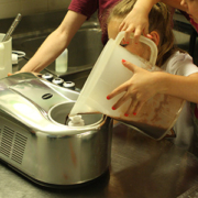We launch a new foodie activity in Rome: Gelato making class